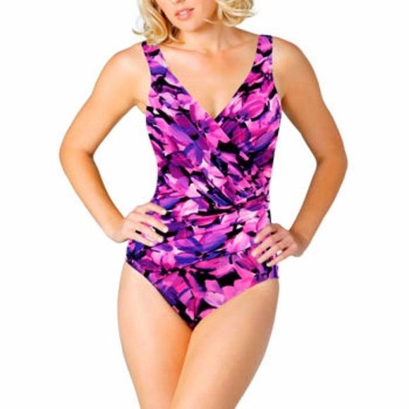 bd086e318ddae Kirkland Signature Swim   Kirkland Slimming Miraclesuit Onepiece ...